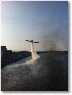 Flugshow an der Stadtbrücke Frankfurt Oder zur Feuerwehr Sternfahrt 2011