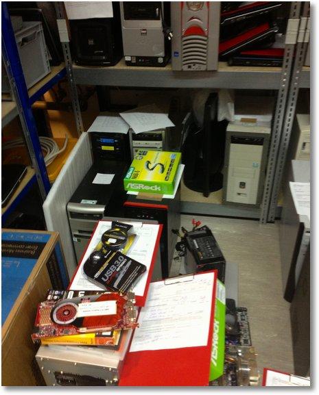 AHCT Computerladen - Chaos in der Werkstatt